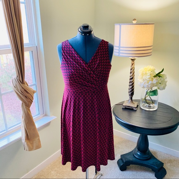 Monroe & Main Dresses & Skirts - Monroe & Main Fit and Flare Dress Size L